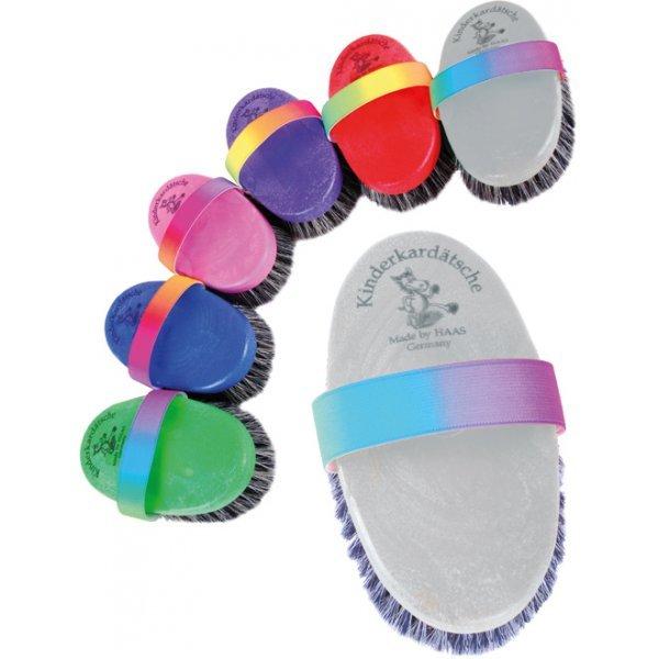 Haas Kinder-Kardätsche bunt melierte Borsten Kardätsche Größe 150x75 mit Gummiband in Regenbogenfarben - farblich Sortiert…