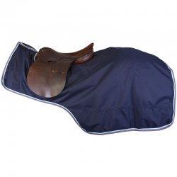 Regen-Ausreitdecke mit Sattelausschnitt von Imperial Riding, schützt Pferderücken und Reiterbein, Ausreitdecke IR basic
